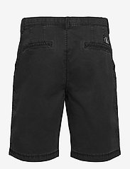 Calvin Klein Jeans - WASHED FESTIVAL SHORT - chino's shorts - ck black - 1