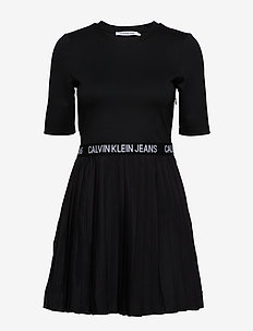 PLEATED DRESS - CK BLACK