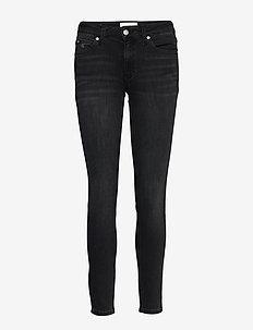 CKJ 011 MID RISE SKI - dżinsy skinny fit - zz002 washed black