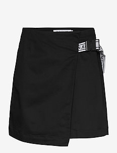 BUCKLE LOGO STRAP SKIRT - jupes courtes - ck black