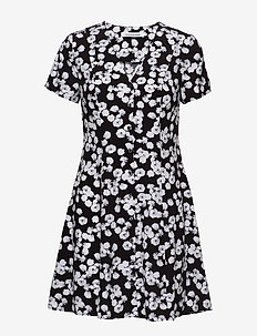 FLORAL  SS DRESS - lyhyet mekot - black with white peony floral