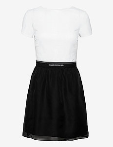 LOGO WAISTBAND DRESS - alltagskleider - bright white