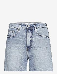 MOM SHORT - jeansshorts - denim light