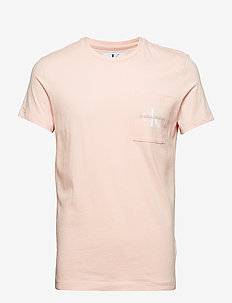 MONOGRAM POCKET SLIM SS TEE - STRAWBERRY CREAM