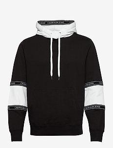 BLOCKING LOGO TAPE HOODIE - basic sweatshirts - ck black