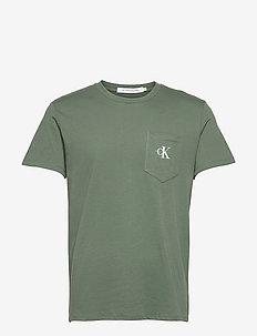 MONOGRAM POCKET TEE - t-shirts à manches courtes - duck green