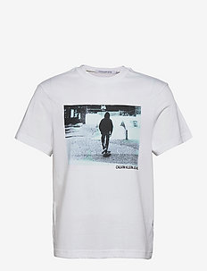 URBAN SKATER BOX S/S TEE - t-shirts à manches courtes - bright white