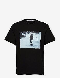 URBAN SKATER BOX S/S TEE - t-shirts à manches courtes - ck black