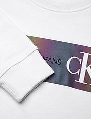 Calvin Klein - REFLECTIVE LOGO SWEATSHIRT - sweatshirts - bright white - 2