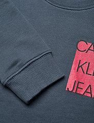Calvin Klein - LOGO CHEST BOX SWEATSHIRT - sweatshirts - orion blue - 2