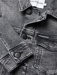 Calvin Klein - TRUCKER JACKET MN DARK W GR STR - jeansjacken - monogram dark wash grey stretch - 2