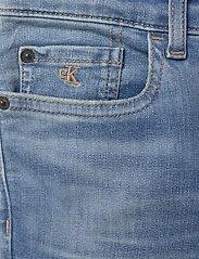 Calvin Klein - SUPER SKINNY INFINITE LT BL STR - jeans - infinite light blue stretch - 2