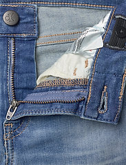 Calvin Klein - SUPER SKINNY INFINITE LT BL STR - jeans - infinite light blue stretch - 3