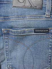 Calvin Klein - SUPER SKINNY INFINITE LT BL STR - jeans - infinite light blue stretch - 4