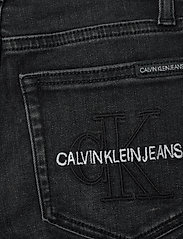 Calvin Klein - SUPER SKINNY MONOGRAM BLK STR - jeans - monogram black stretch - 4