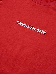 Calvin Klein - METALLIC CHEST LOGO SLIM TOP - korte mouwen - fierce red - 2