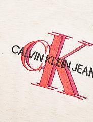 Calvin Klein - OVERLAPPING MONOGRAM T-SHIRT - t-shirts - bright white - 2