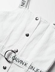 Calvin Klein - BUTTON DOWN LOGO STRAP DRESS - kleider - bright white - 2