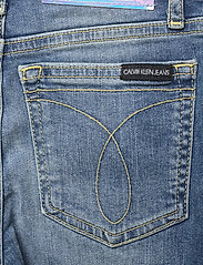 Calvin Klein - SKINNY HR AUTH BL HL STR - jeans - authentic high low stretch - 4