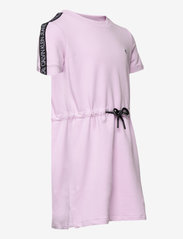 Calvin Klein - LOGO TAPE SLEEVE DRESS - kleider - lavender pink - 3