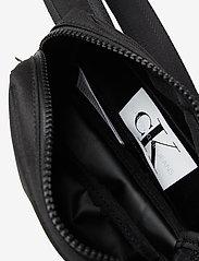 Calvin Klein - MONOGRAM BADGE WAISTBAG - tragetaschen & kleine taschen - ck black - 4