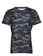PERFECT WORKOUT SS TEE - BLACK CAMO