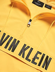 Calvin Klein Performance - 1/2 ZIP WOVEN JACKET - anoraks - goldfinch - 2