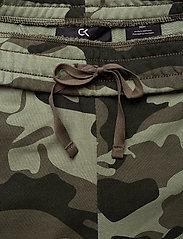 Calvin Klein Performance - KNIT PANTS - sweatpants - grape leaf camo - 3