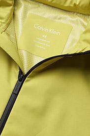 Calvin Klein - OW 201 OJAN, 338, 50 - regenkleding - bright sulphur - 4