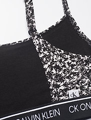 Calvin Klein - UNLINED BRALETTE - miękkie biustonosze - composition print_black - 3
