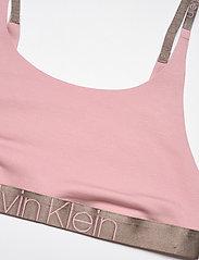 Calvin Klein - UNLINED BRALETTE - miękkie biustonosze - echo pink - 2