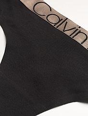 Calvin Klein - THONG - stringi - black - 2