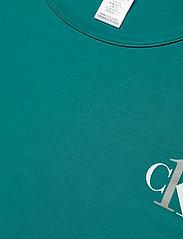 Calvin Klein - S/S CREW NECK - t-shirty - turtle bay - 2