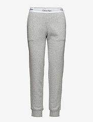 Calvin Klein - BOTTOM PANT JOGGER - doły - grey heather - 4