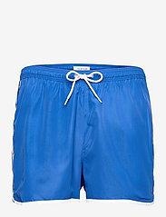 SHORT RUNNER - BOBBY BLUE