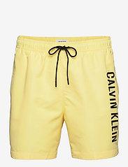 Calvin Klein - MEDIUM DRAWSTRING - shorts de bain - april yellow - 0
