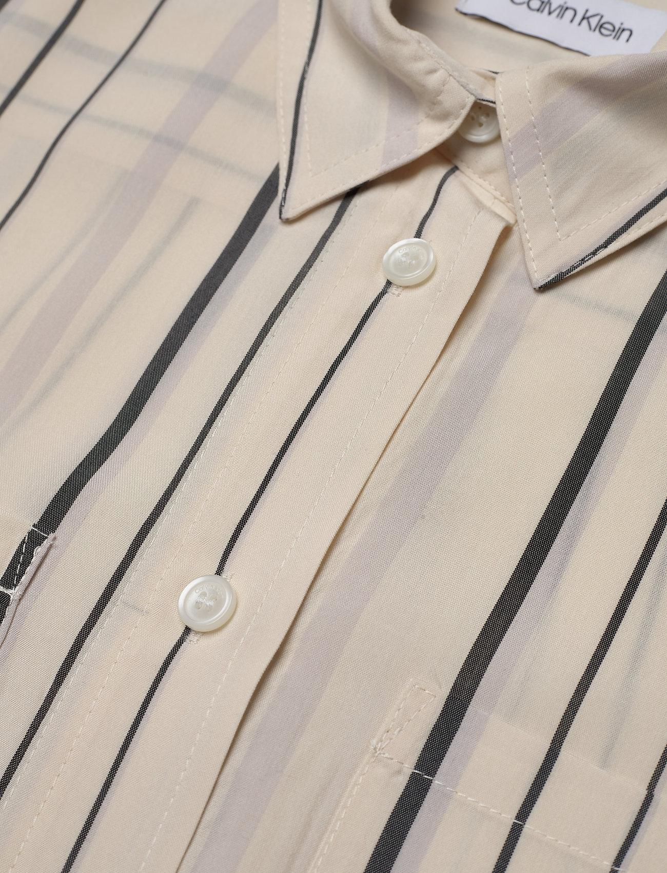 Ls Stripe Belted Shi (Bold Stripe - White Smoke / Bl) (1190 kr) - Calvin Klein