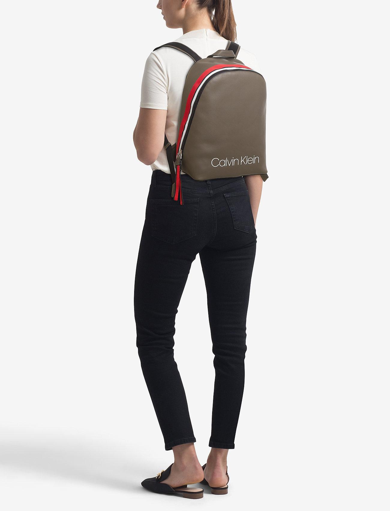Calvin Klein COLLEGIC BACKPACK - ARMY FTGE