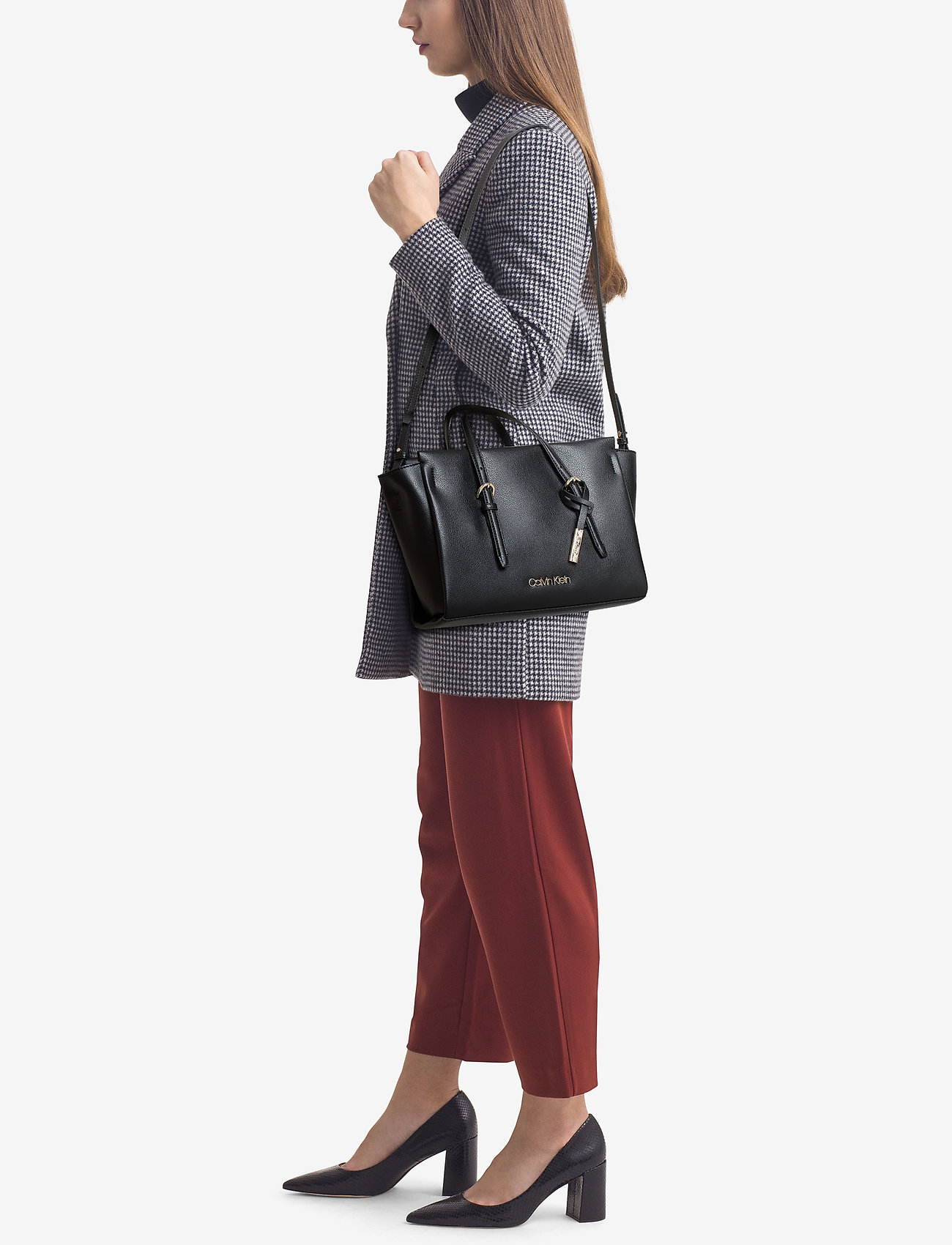 f1604ae3e2 Calvin Klein Avant Small Tote (Black), (116.94 €) | Large selection ...