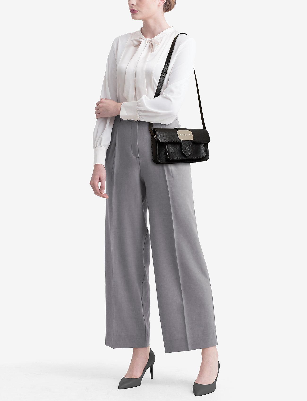 Calvin Klein DALLAS BUCKLE E/W FL - BLACK