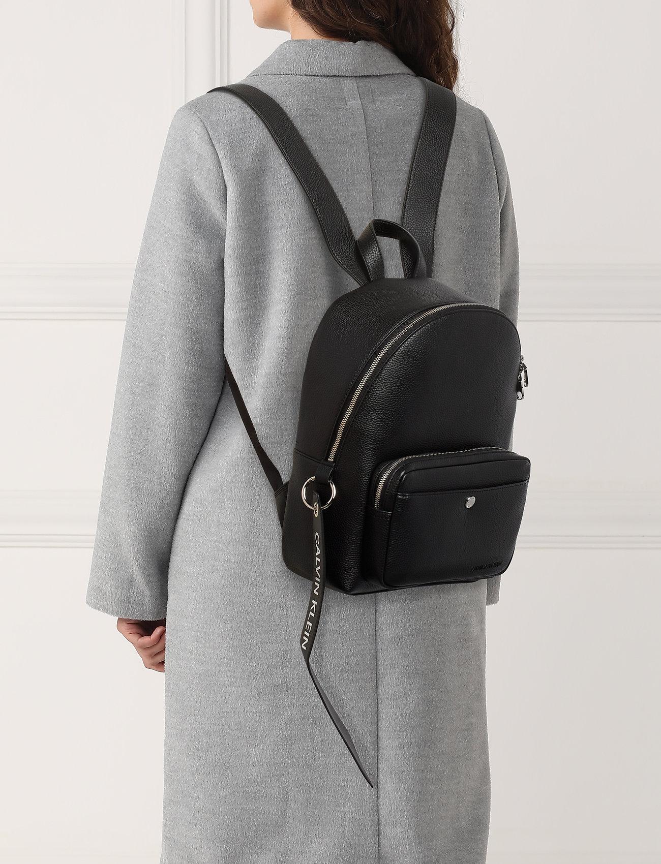 Calvin Klein CKJ BANNER CP BACKPACK 35 - BLACK