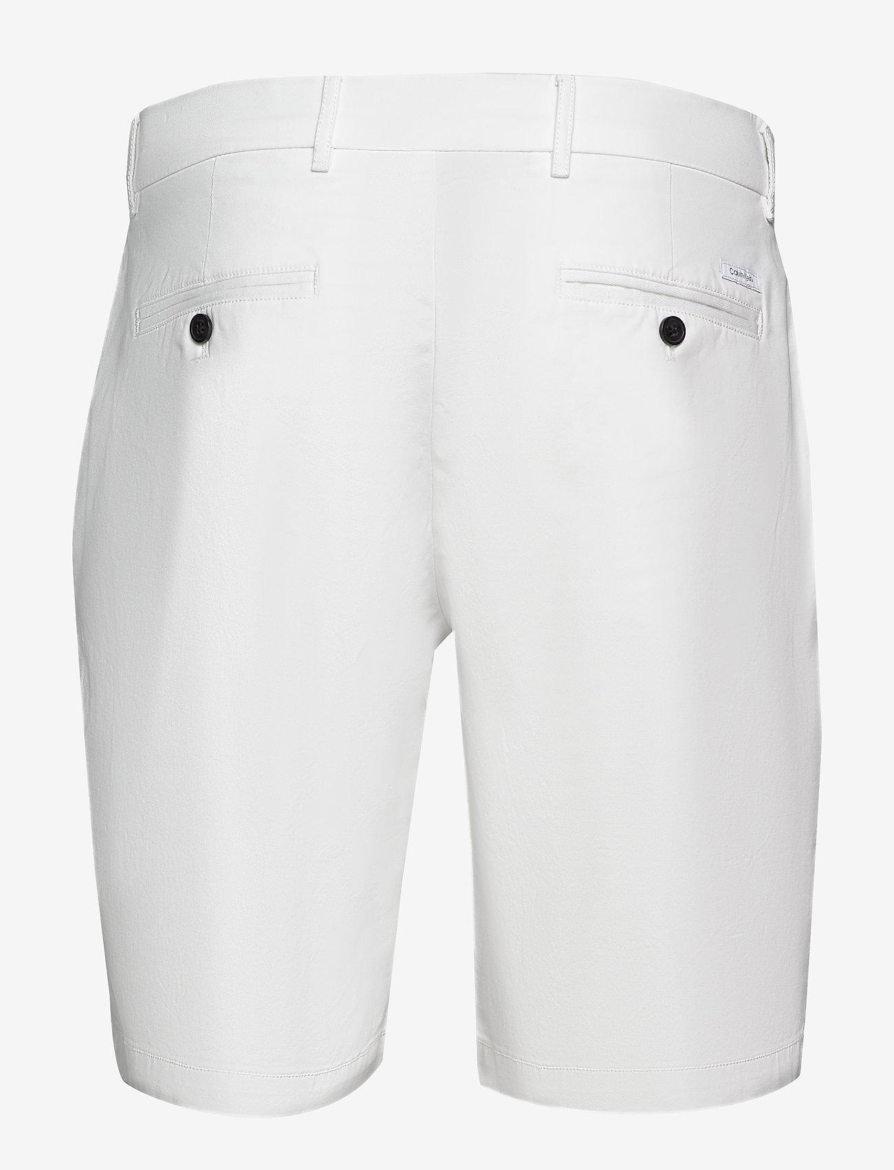 Calvin Klein - SLIM FIT GARMENT DYE - tailored shorts - calvin white - 1