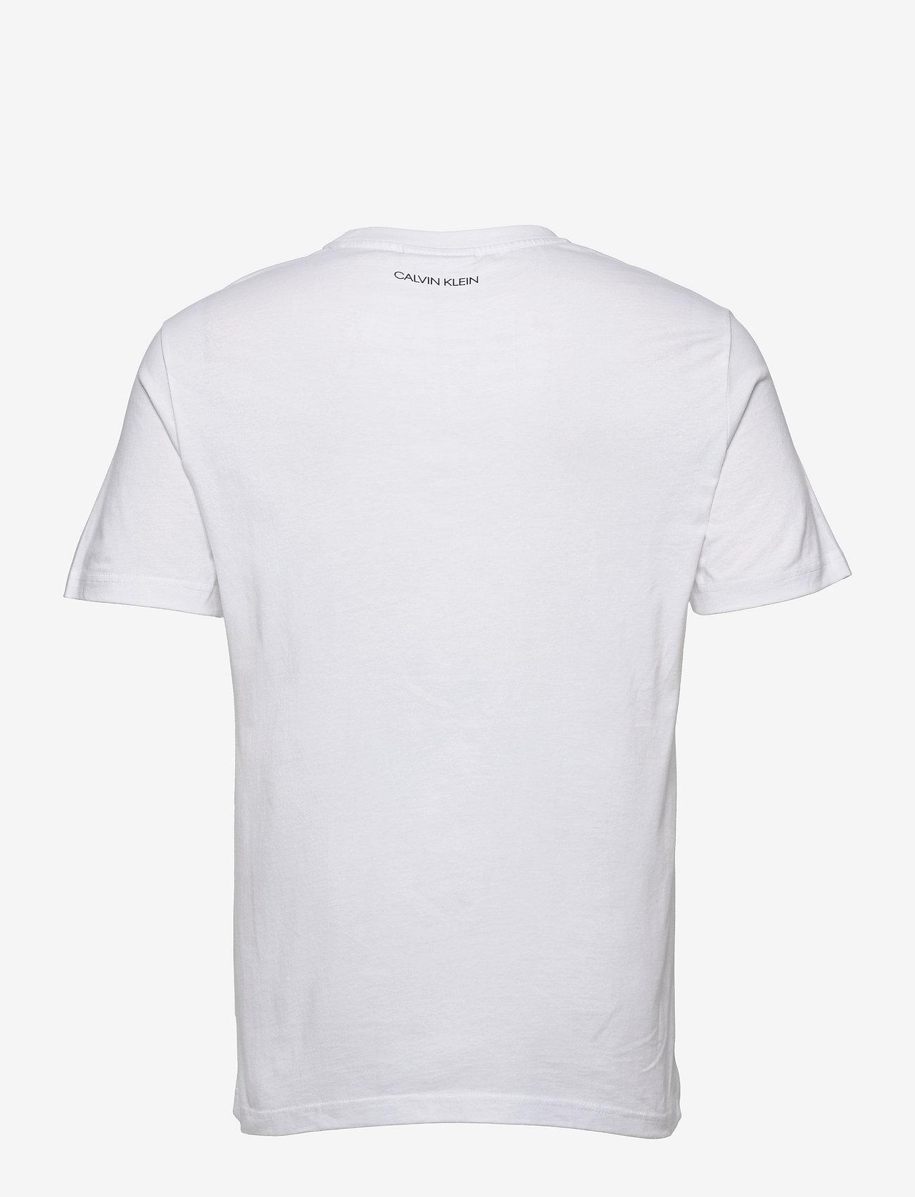 Calvin Klein - LOGO LINES BADGE T-SHIRT - t-shirts à manches courtes - bright white - 1