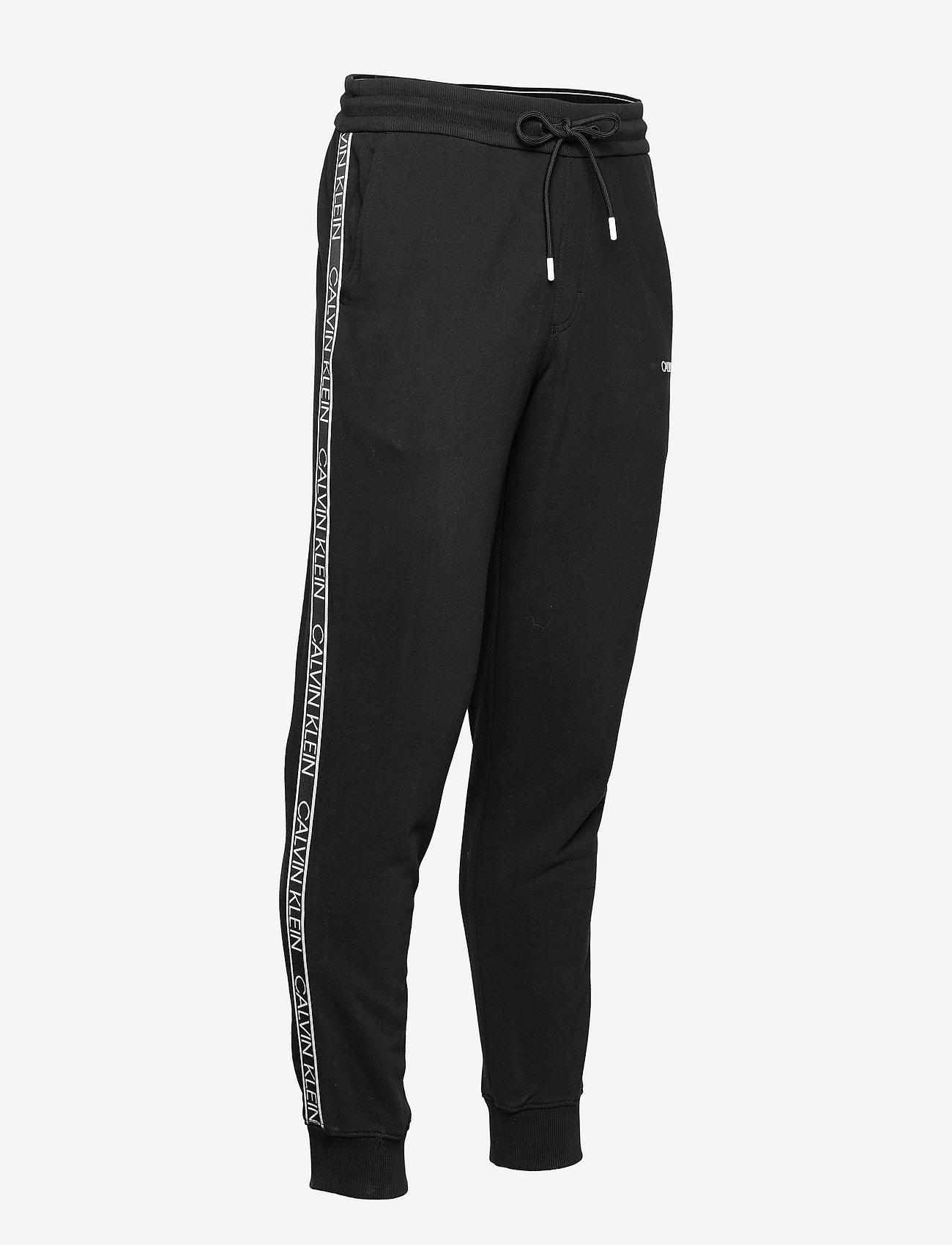Calvin Klein - ESSENTIAL LOGO TAPE SWEATPANT - kleding - ck black - 3