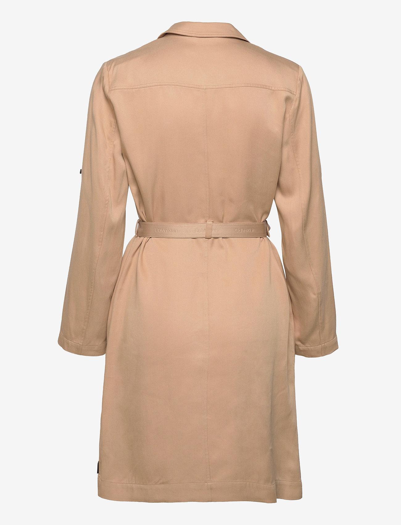 Calvin Klein - TENCEL TRENCH DRESS - trenchcoats - travertine - 1