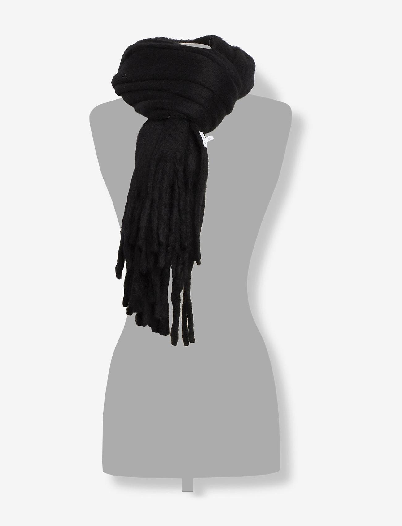 Calvin Klein - BOILED SCARF - sjalar & halsdukar - black - 1