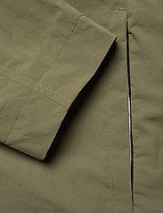 Calvin Klein - CRINKLE NYLON BLOUSO - light jackets - delta green - 5
