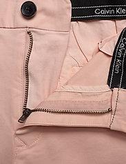 Calvin Klein - SLIM FIT GARMENT DYE - tailored shorts - nude lustre - 3