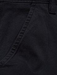 Calvin Klein - GARMENT DYED CARGO SHORTS - cargo shorts - calvin navy - 2