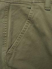 Calvin Klein - GARMENT DYED CARGO SHORTS - cargo shorts - delta green - 2